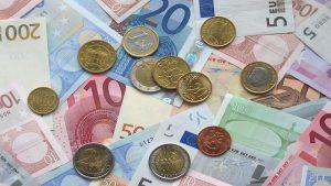 Eurogeldscheine und -münzen